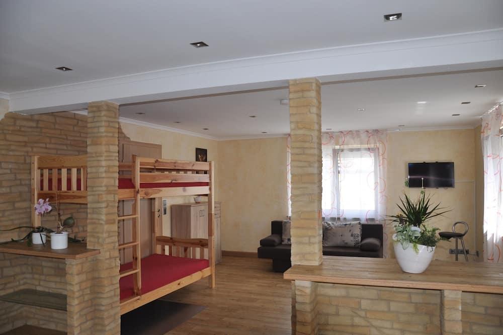 Apartment, 2 Bedrooms (Hauptgebäude) - Living Area