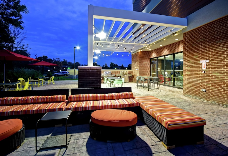 Home2 Suites by Hilton Amherst Buffalo, Amherst, Terasa