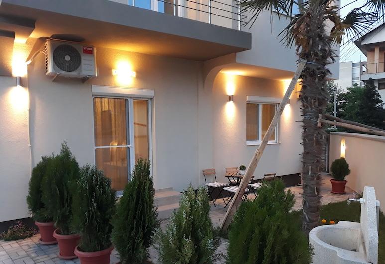Vila & Apartments MATEA, Gevgelija, Familienapartment, Erdgeschoss (1), Blick auf den Garten