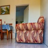 Basic Double Room, 1 Double Bed, Non Smoking, Sea View - Living Area