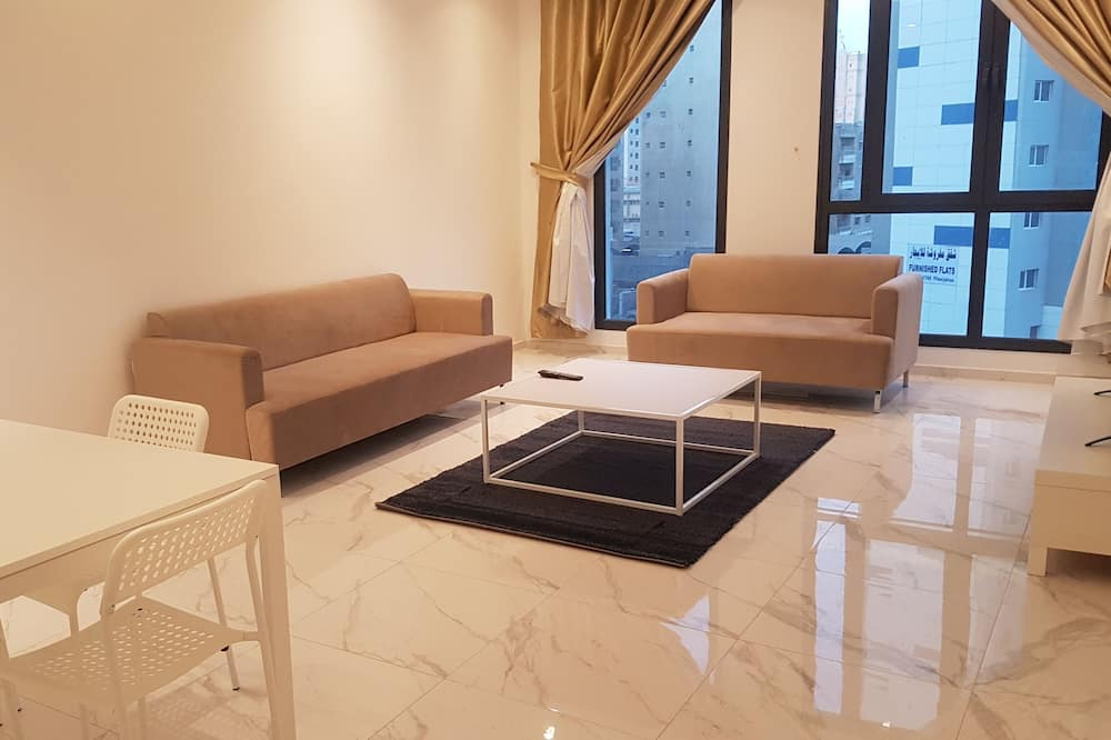 Apartment, 1 Bedroom, Accessible, Partial Ocean View - Living Area