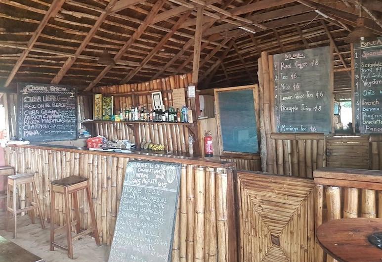 Stumble Inn Eco Lodge , Elmina, Bár