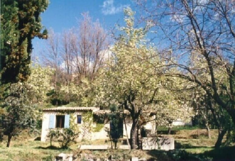 Domaine Ararat, Contes