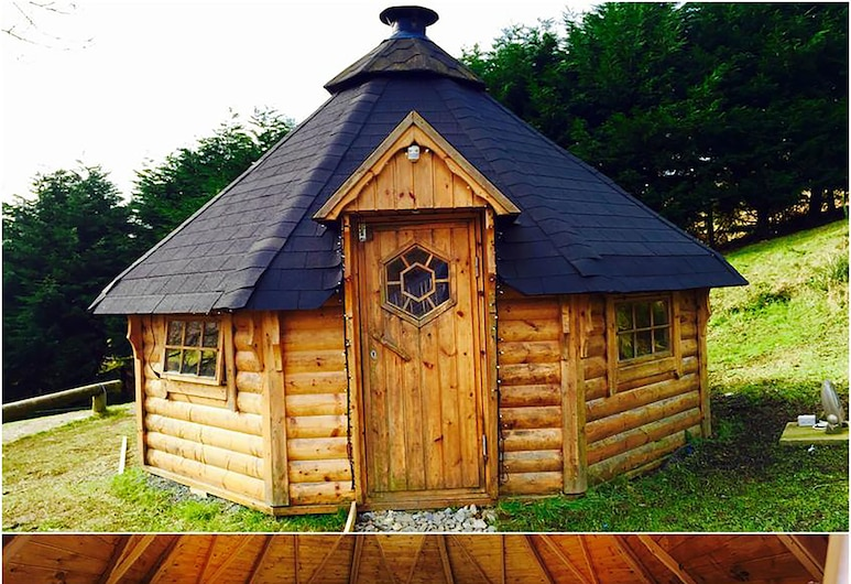 East Coast Adventure Centre Glamping, Newry, Property entrance