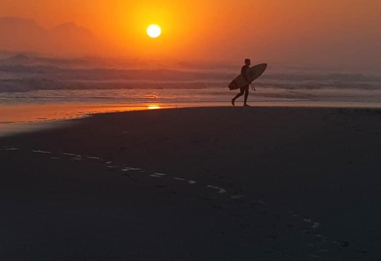 JUST BEACHY HOLIDAY APARTMENT, Cape Town, Beach