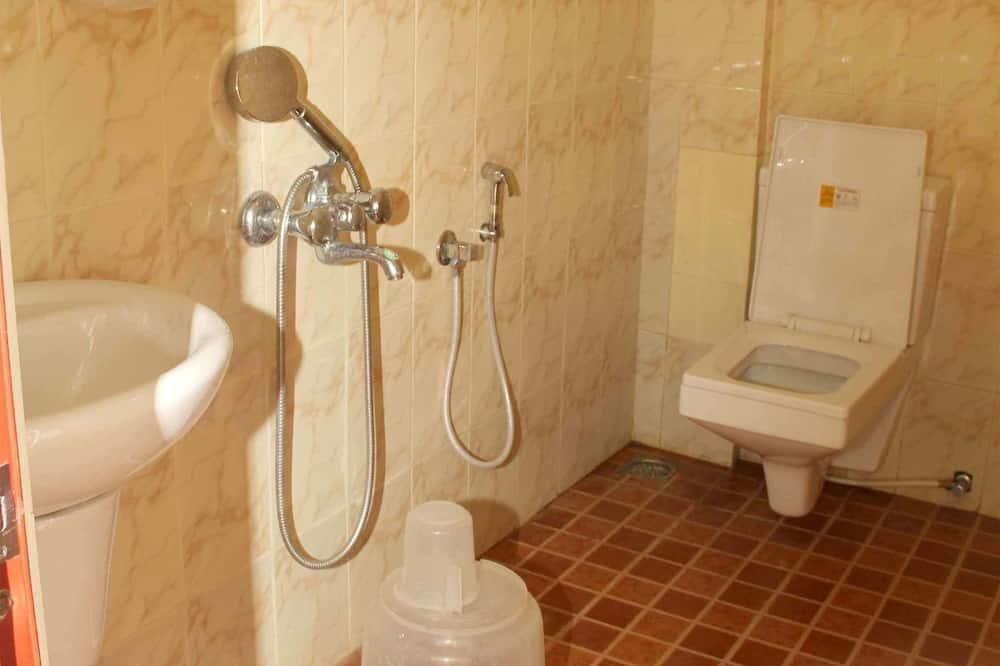 Izba typu Deluxe, 1 dvojlôžko, bezbariérová izba, výhľad na mesto - Kúpeľňa