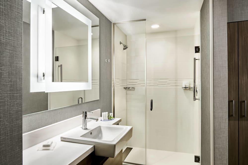 Studio Suite, 1 King Bed, Non Smoking - Bathroom