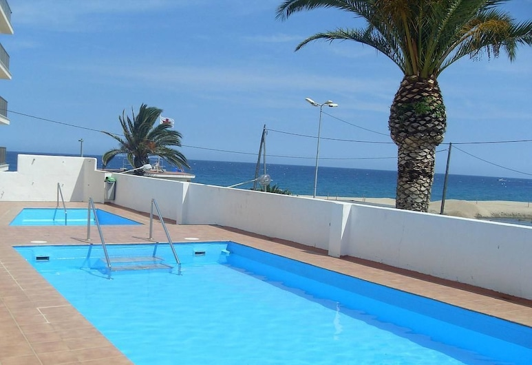 Cozy Loft in Front of the Sea, Kastiljo de Aras, Baseinas vaikams
