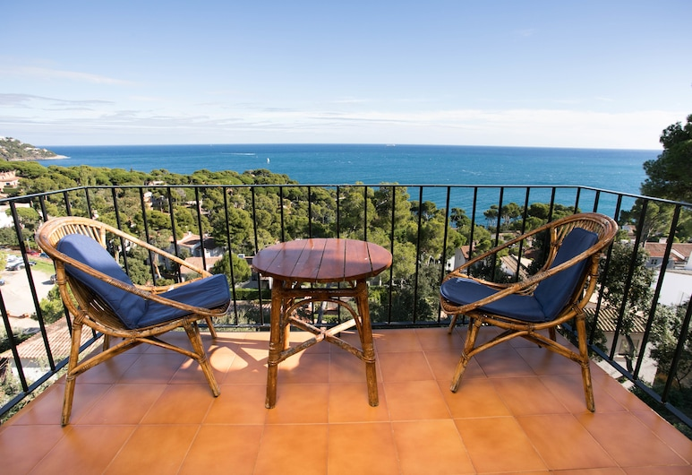 Beautiful Studio with Brilliant Views, Palafrugell