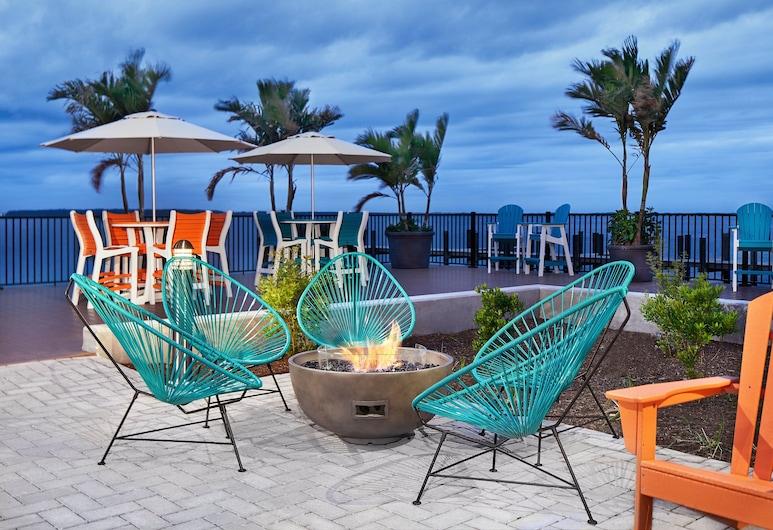 Aloft Ocean City, Ocean City, Room, 1 King Bed, Non Smoking, Terrace/Patio