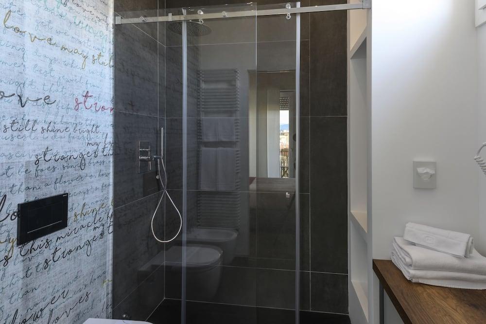 Standard-Doppel- oder -Zweibettzimmer, Stadtblick - Badezimmer