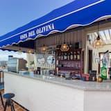Bar con aperitivos
