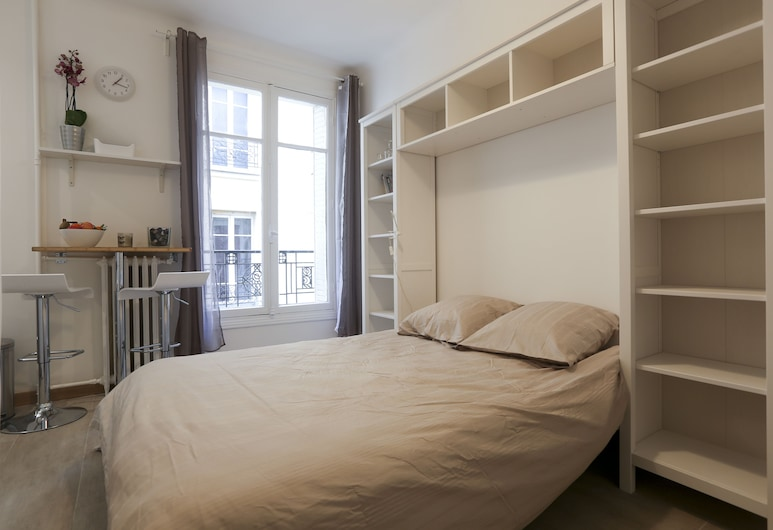Union, Paris, Basic Apartment, Room