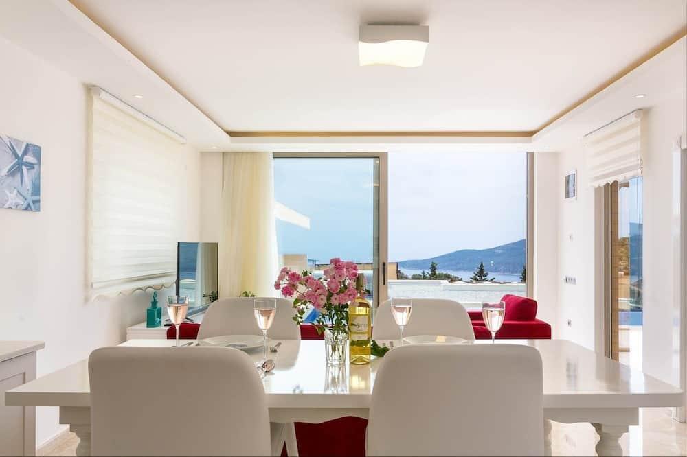Biệt thự, 1 phòng ngủ, Hồ bơi riêng - Ăn uống tại phòng