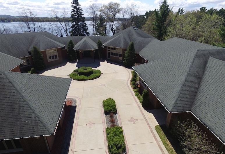 Mansion on Lake Tainter, Colfax, Balkon