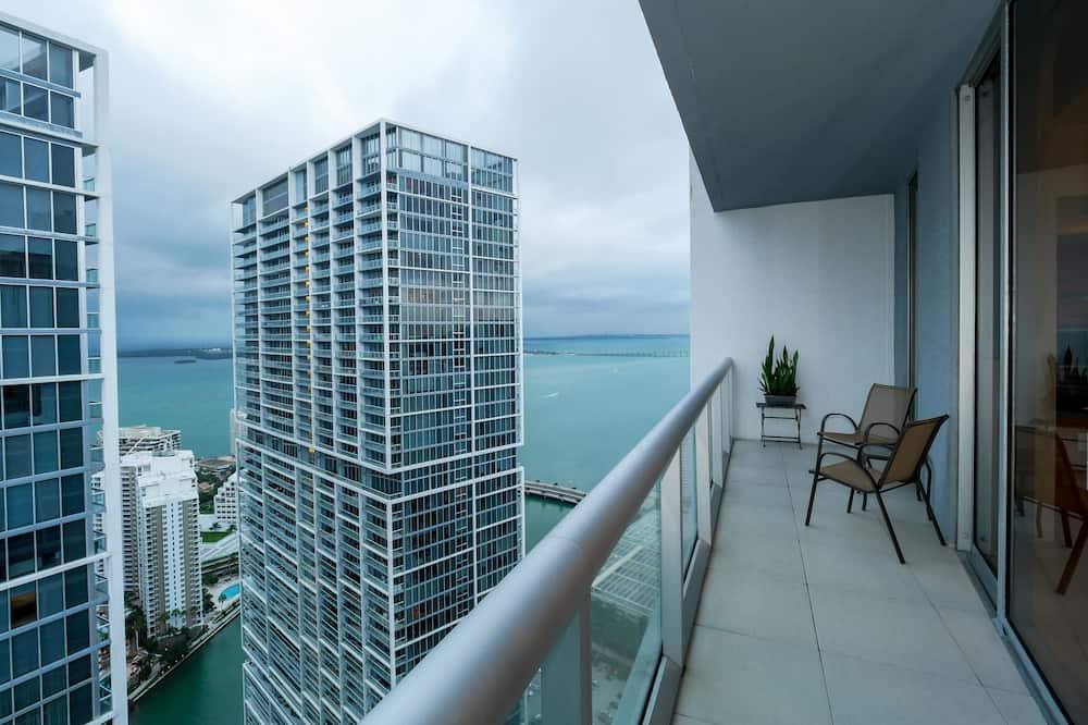 Condominio, 2 habitaciones, 2 baños (4902) - Balcón