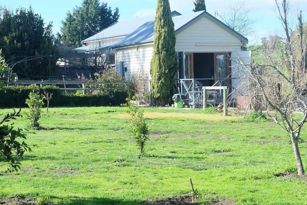 The Bunk House - Garden View