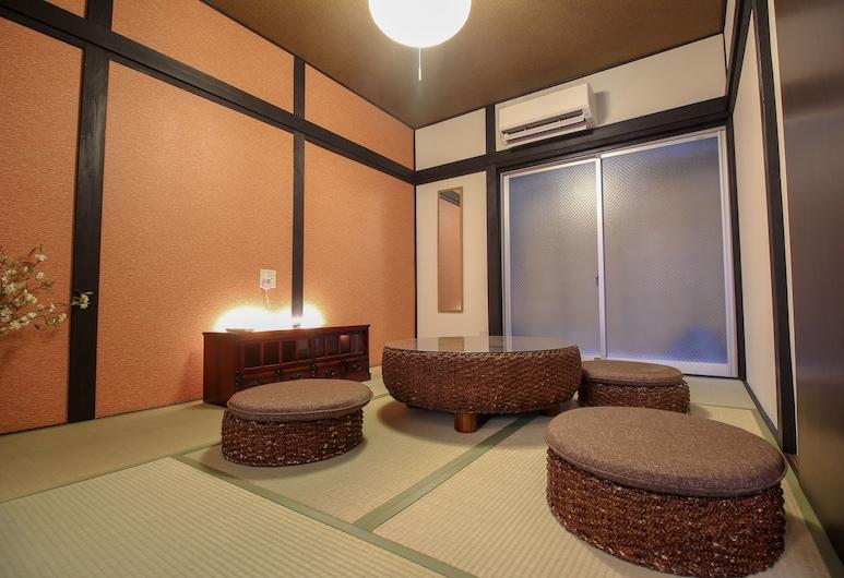 JQ 빌라 교토 히가시쿠조, Kyoto, 하우스 (Private Vacation Home), 거실 공간