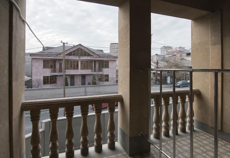 AFA Hotel & Guest House, Yerevan, Premium tweepersoonskamer, 1 slaapkamer, Balkon, Balkon