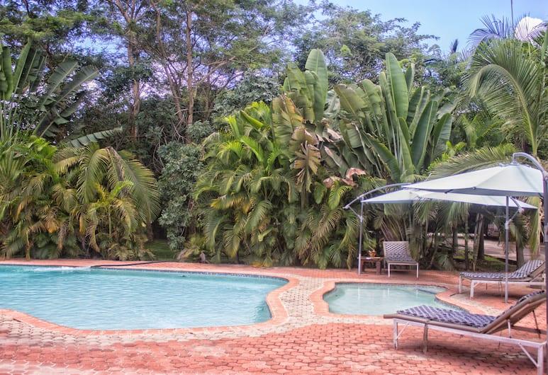 Waterfalls Hotel, Lusaka, Pool