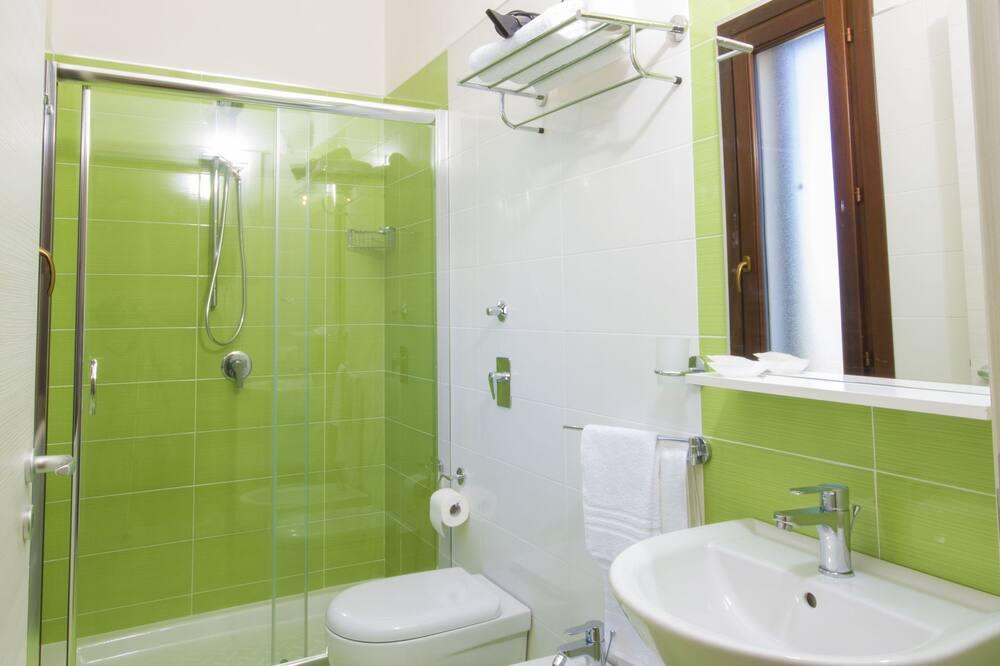 Deluxe Room, Sea View - Bathroom