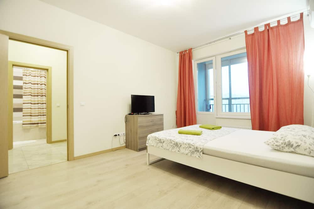 Comfort Room, 1 Queen Bed with Sofa bed, Non Smoking - Guest Room