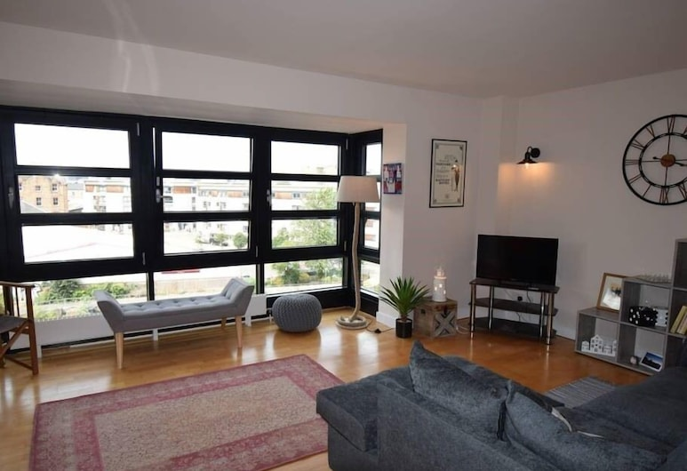 Luxurious Braemore Apartment at The Shore, Edinburgh