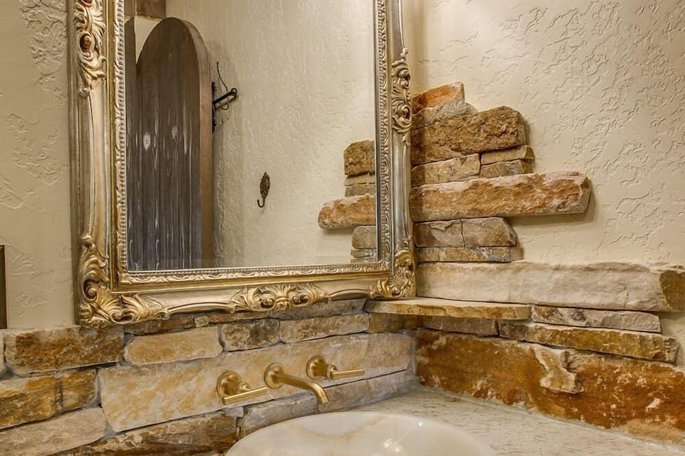 Chambre Double Romantique, salle de bains attenante, vue fleuve (Olde Rose Suite) - Salle de bain