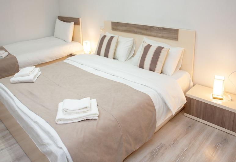 ホテル カサ カルダ, クタイシ, スタンダード トリプルルーム, 部屋