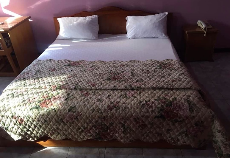 Maat Court Hotel, Accra, Standard Double Room, 1 Double Bed, Non Smoking, Guest Room