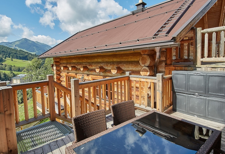 Chalets Blockhaus Saalbach, Saalbach-Hinterglemm, Chalet, 4 habitaciones, vistas a la montaña (Chalets - Hütte 2), Terraza o patio