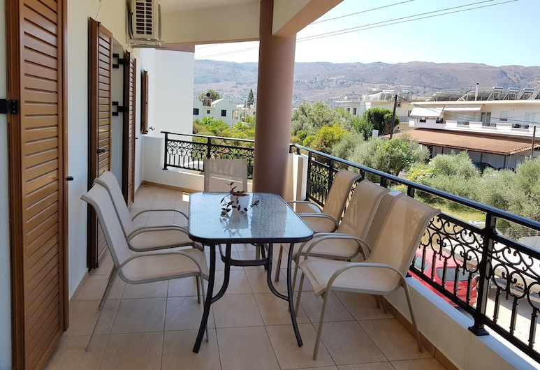 Modern Apartment in Chania, Chania, Apartment, 3 Bedrooms, Terrace/Patio