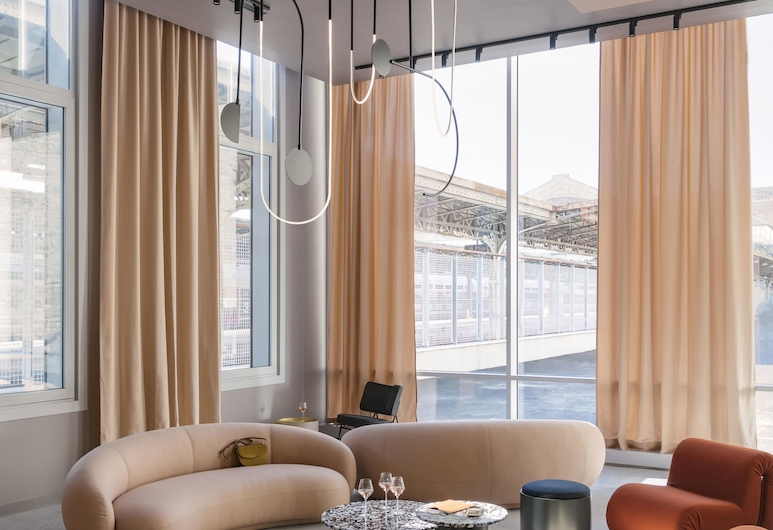 OKKO Hotels Paris Gare de l'Est, Paris, Lobby Sitting Area