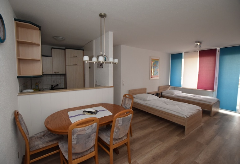 AB Apartment 119, Štutgartas