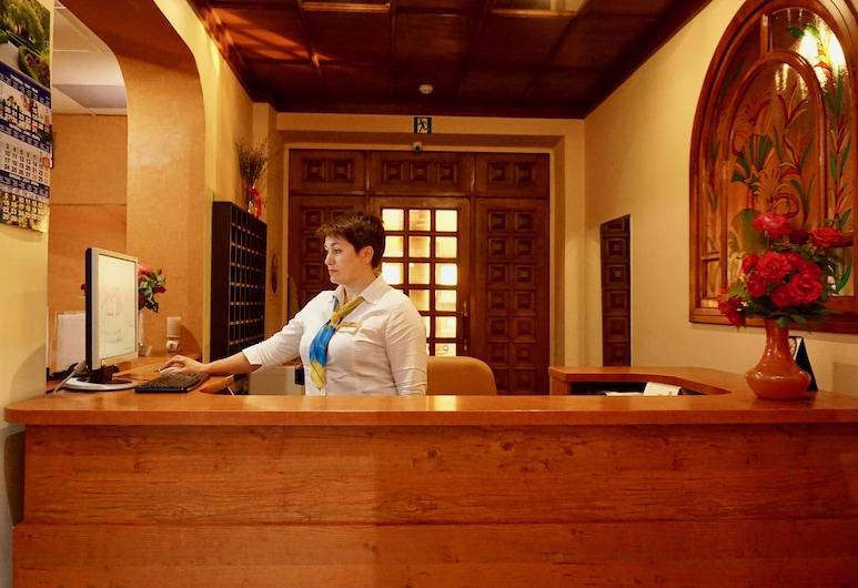 Hotel & Restaurant Zhuliany City, Kyiv, Receptie