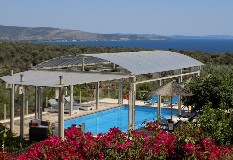 Spacious and Isolated Villa With Private Heated Pool, Nafplio