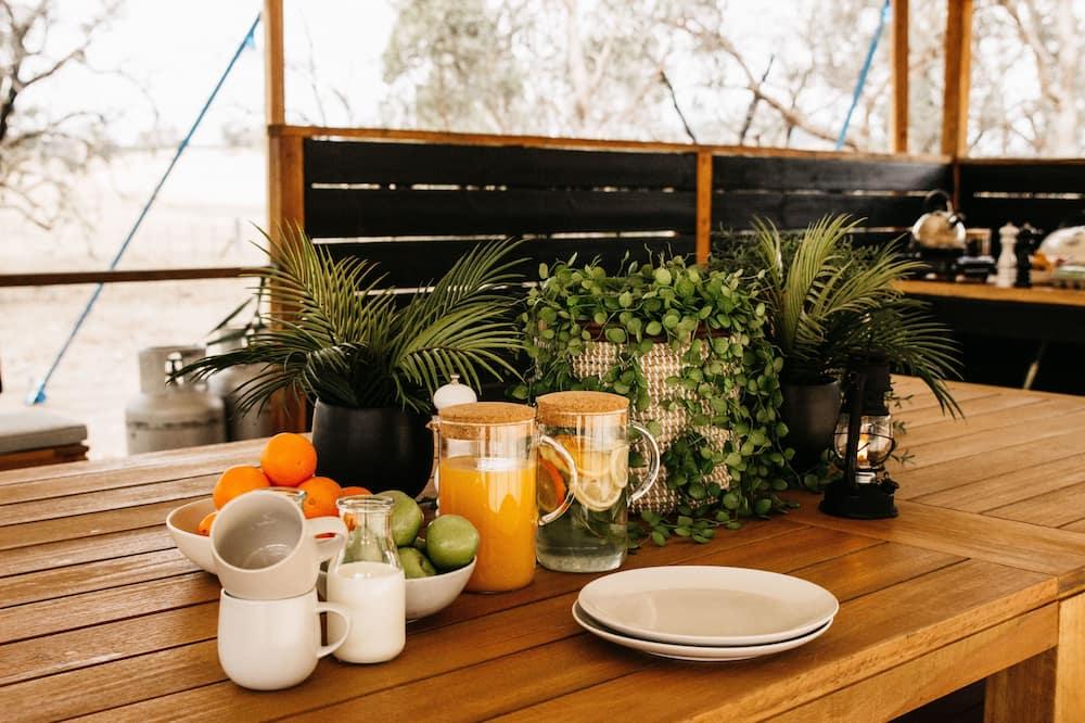 Classic-Zelt - Gemeinschaftlich genutzte Küchenausstattung