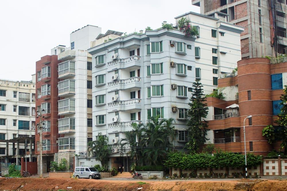 Laurel Hotel, Dhaka