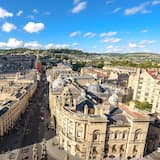 Bright 1 Bedroom Apartment With Views in Bath