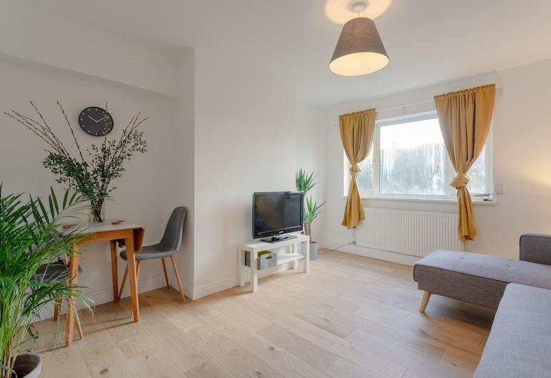Spacious 3 Bedroom Flat Near Vibrant Camberwell, London, Wohnzimmer
