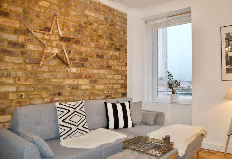 2 Bedroom Apartment in Dalry Edinburgh, Edinburgh, Woonkamer