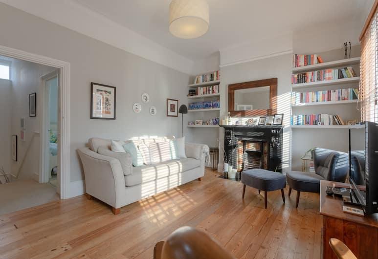 Beautiful 1 Bedroom Flat in Stoke Newington, Londra