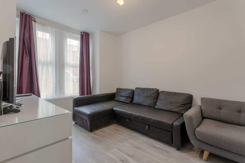 House (3 Bedrooms) - Living Room