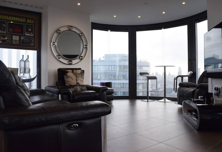 Stylish 2 Bedroom With Access to Pool and Gym, Lontoo