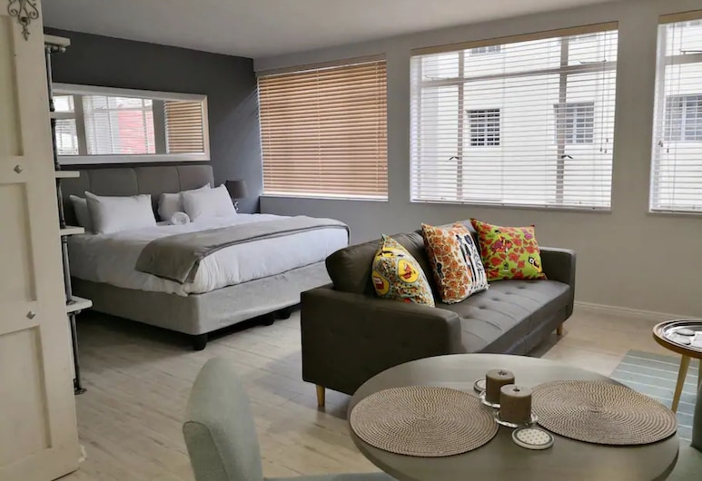 Modern Studio With Views in Cape Town City Centre, Cape Town