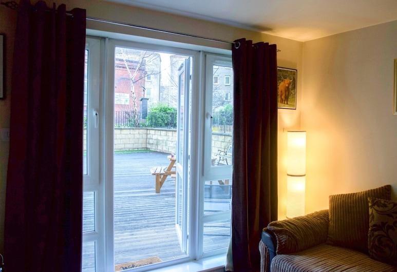 Bright 2 Bedroom Flat With Patio, Edinburgh, Oturma Odası