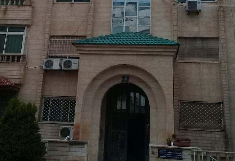 Apartments Ward, Amman, Front of property