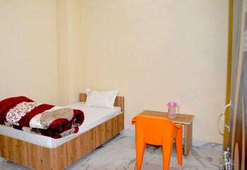 תמונה של Santosh Hotel בKota
