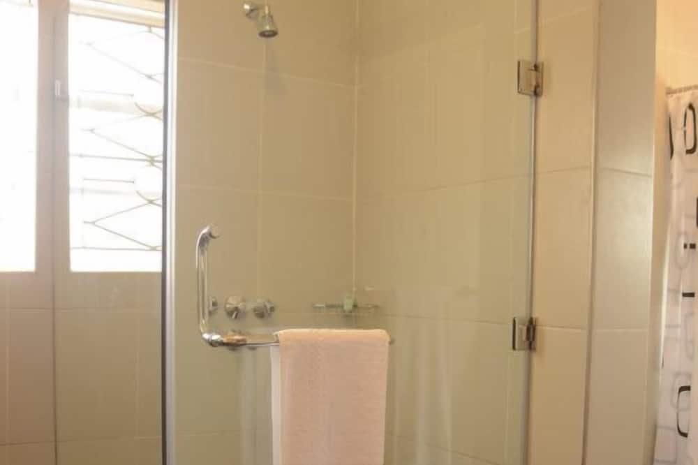 غرفة (Gold) - الدش داخل الحمام