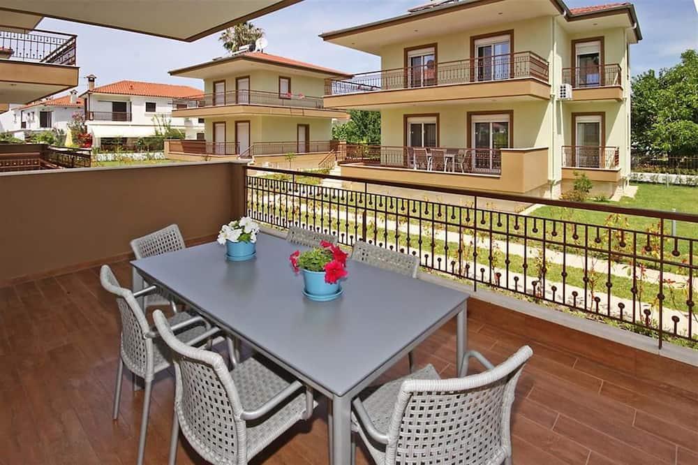 House, Garden View (M1, M2) - Balcony